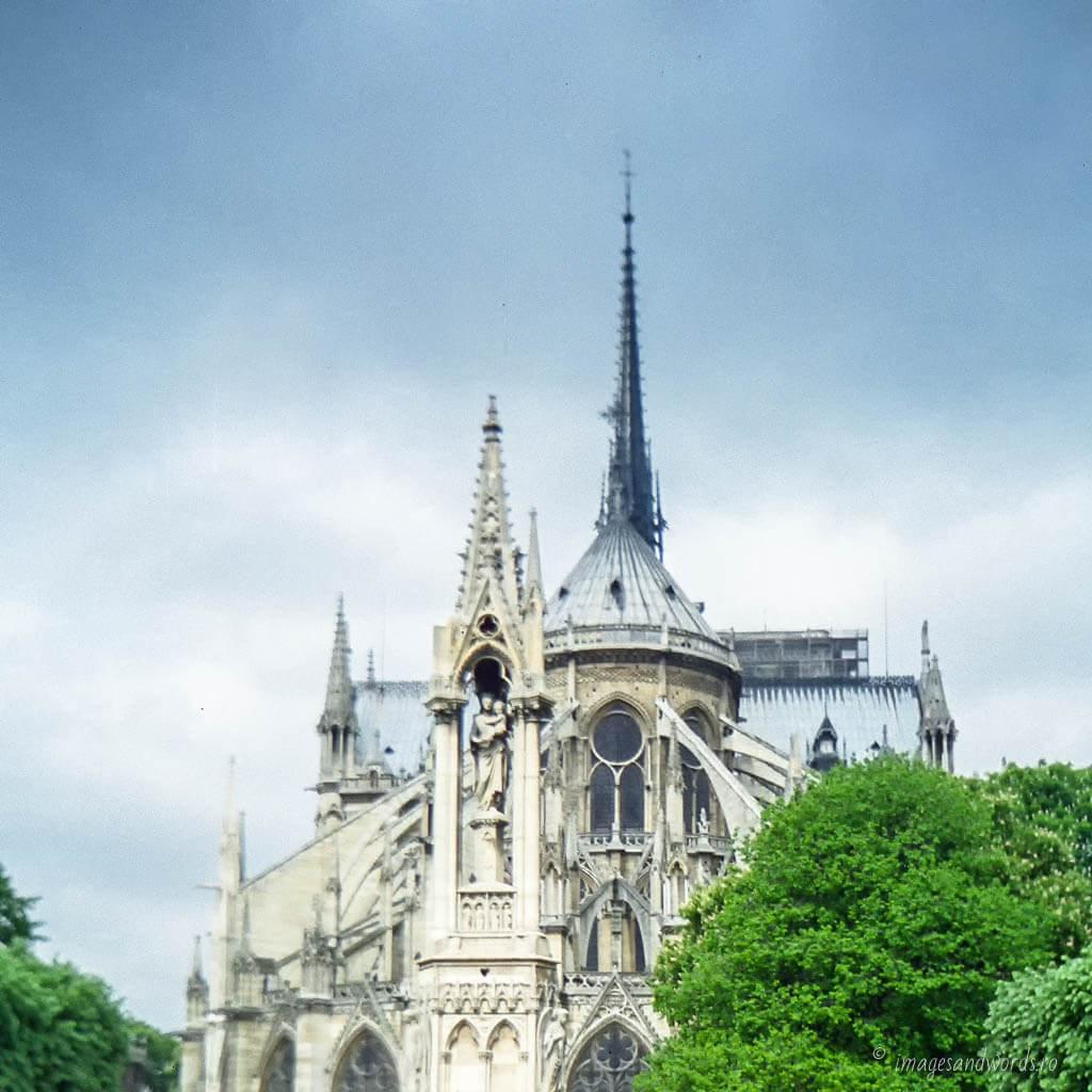 Notre Dame de Paris | 22 Apr 2002