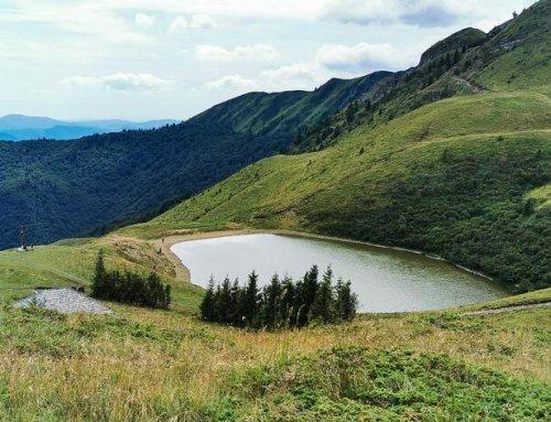 Lacul Vulturilor, Munții Siriu (Carpații de Curbură)